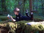 Kids-reading-in-the-forest-002-1024x768